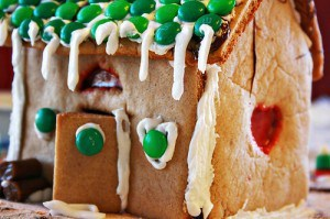 gingerbread house 01