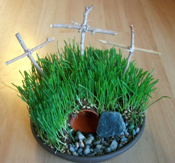 Calvary's Hill or Empty Easter Tomb Garden Craft