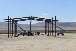 putting up trusses on hay barn 01