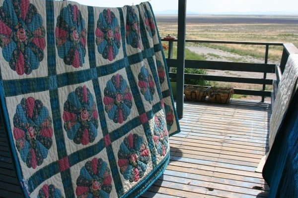 quilt on clothesline