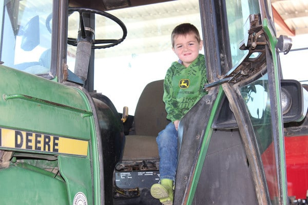 Gid in baling tractor